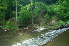 Splav naVýrovce poblíž Lomu uRadimi